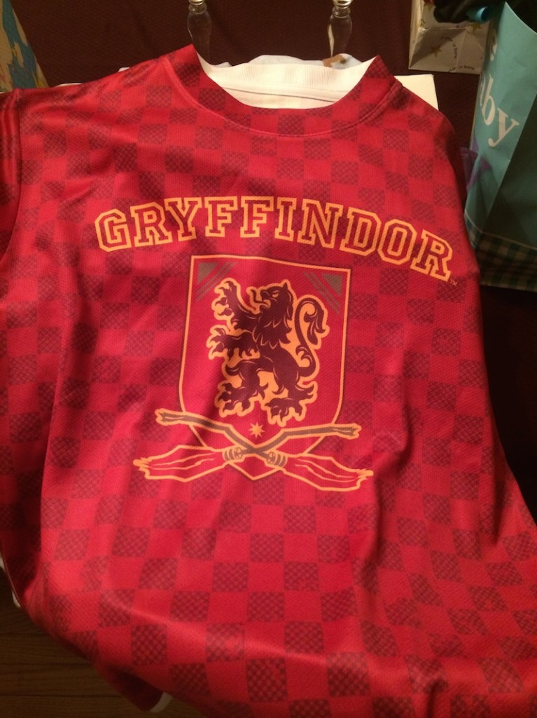 surprisebabyshower-gryffindor-front